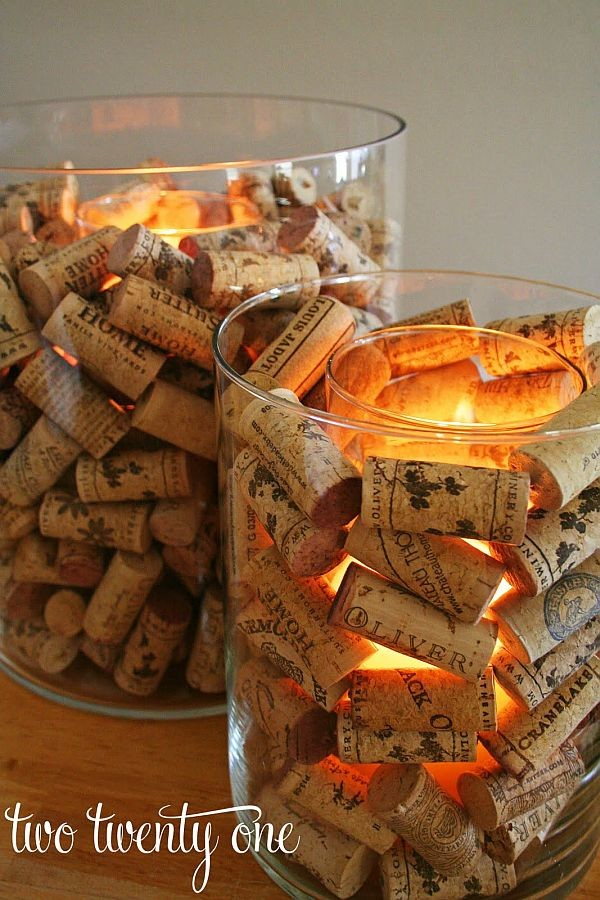http://www.homedit.com/5-ways-of-turning-wine-corks-into-unique-christmas-decorations/