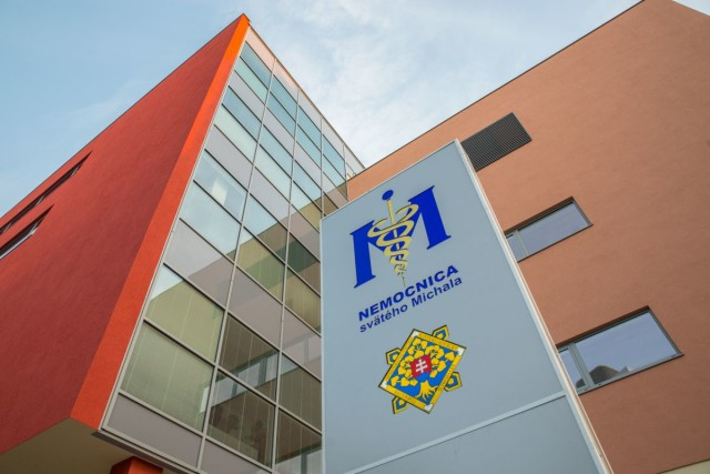 Exteriér novej budovy Nemocnice sv. Michala