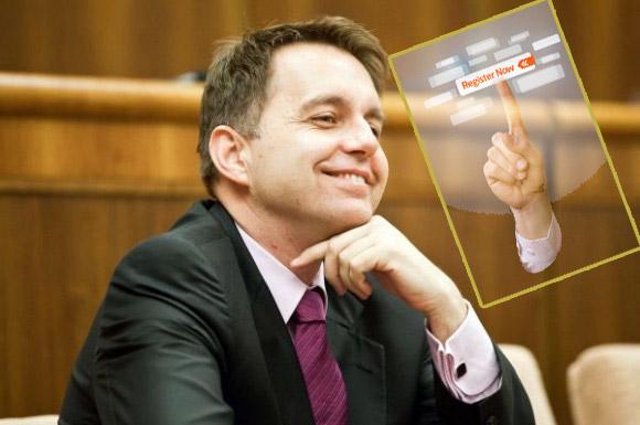 Minister financií Peter Kažimír v parlamente