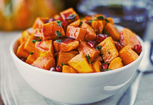 Roasted sweet potatoes with pomegranate glaze 4611.jpg